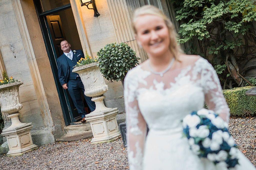 Wedding Tips, Dad photo bombing brides photo