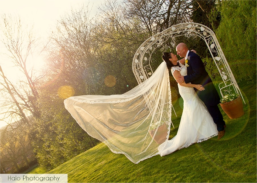 Bride & Groom before sunset at Eslington Villa