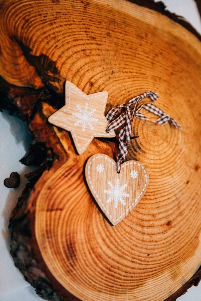 Table Centrepieces with christmas wedding favours