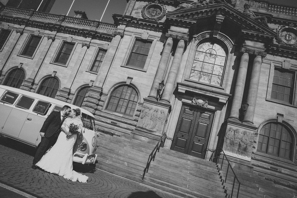 Sophie & james kissing outside South Shields Town Hall