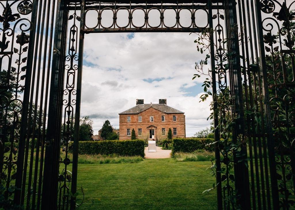 Newton Hall Wedding Photographer 01