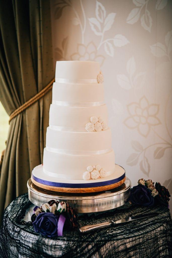 Good side to wedding cake